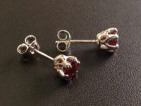 30_ujo_rocks_handmade_sterling_silver_six_claw_solitaire_earring_studs_with_garnet_polished_thumbnail