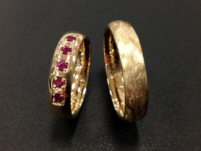 31_ujo_rocks_bespoke_18k_gold_wedding_rings_with_synthetic_rubies_polished_and_brushed_finish_thumbnail