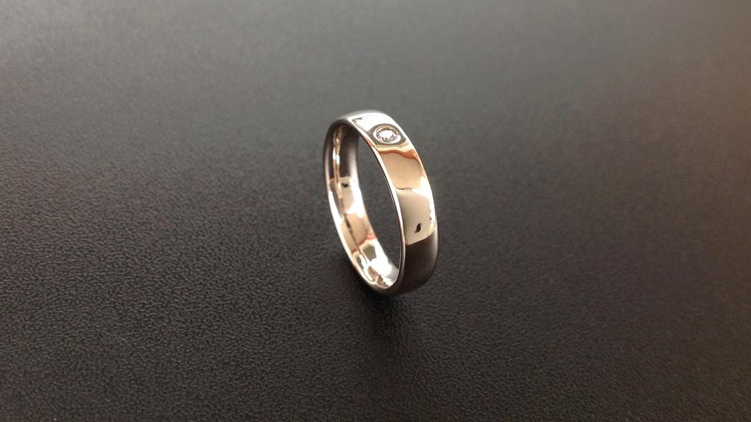 34_ujo_rocks_bespoke_14k_white_gold_diamond_ring_polished