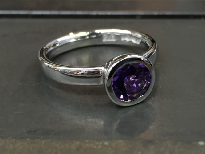 49_ujo_rocks_bespoke_handmade_sterling_silver_solitaire_bezel_set_amethyst_ring_polished_thumbnail