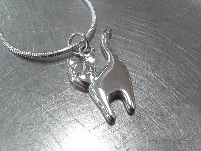 21_ujo_rocks_sterling_silver_cat_pendant_with_diamond_eyes_polished_thumbnail